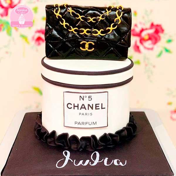 Curso de drip cake Chanel Zaragoza